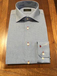 オーダーワイシャツ ボタン穴赤糸写真